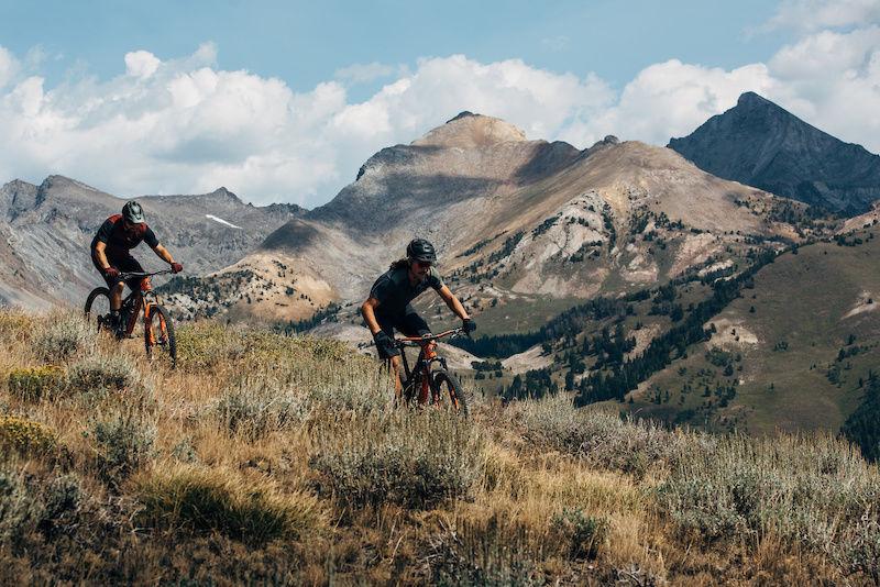 Mtn-bikers-in-Sun-Valley.jpg