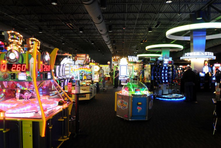 There may be no place quite like Dave & Buster's Austin. The Grand Dining Room at Dave and Busters Austin Shaped by an enduring sense of history and tradition, The Grand Dining Room is simply a delightful place to dine and converse.