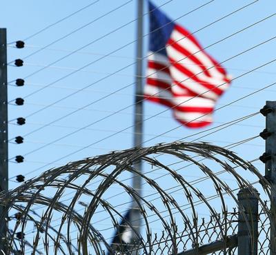 Prison wire flag square