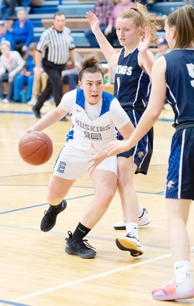 Emmett girls split league contests