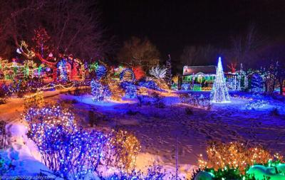 Christmas Lights Boise.Go See It Winter Garden Aglow Life Idahopress Com