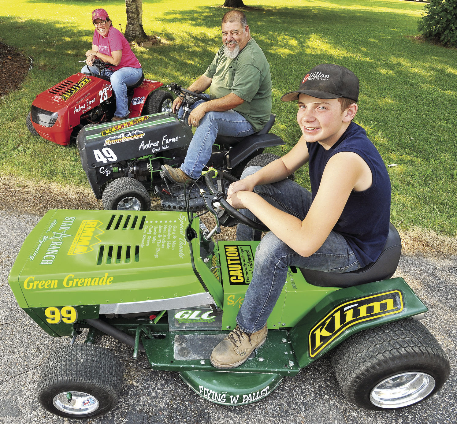 Family Revs Up For Lawnmower Race In Pocatello Local Idahostatejournal Com