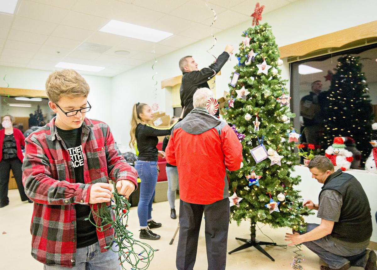 boy scout collects 700 presents christmas tree for idaho state veterans home - Boy Scout Christmas Trees