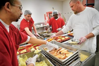 Thanksgiving meal aims to brighten day for jail prisoners