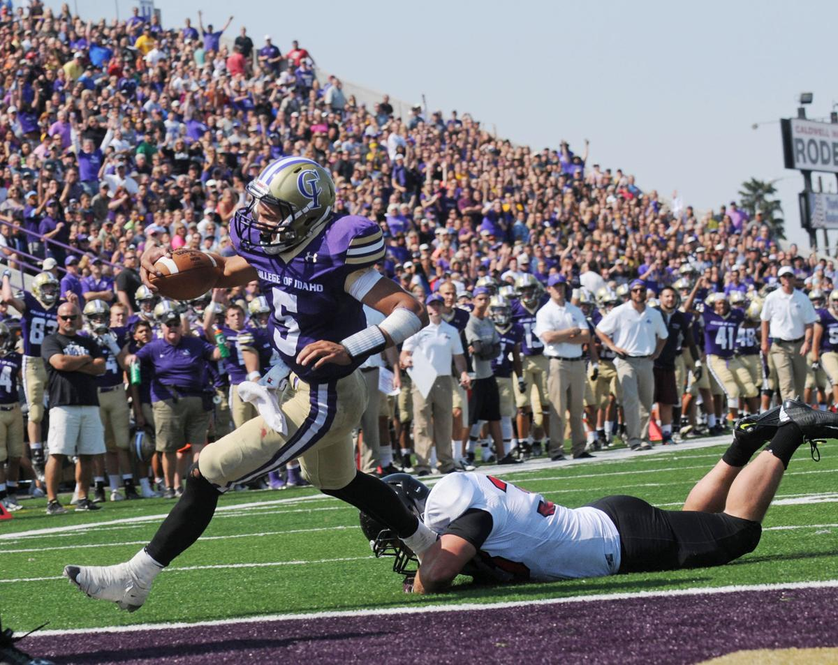 College Of Idaho >> Yotes Football College Of Idaho Defies The Odds Wins Again