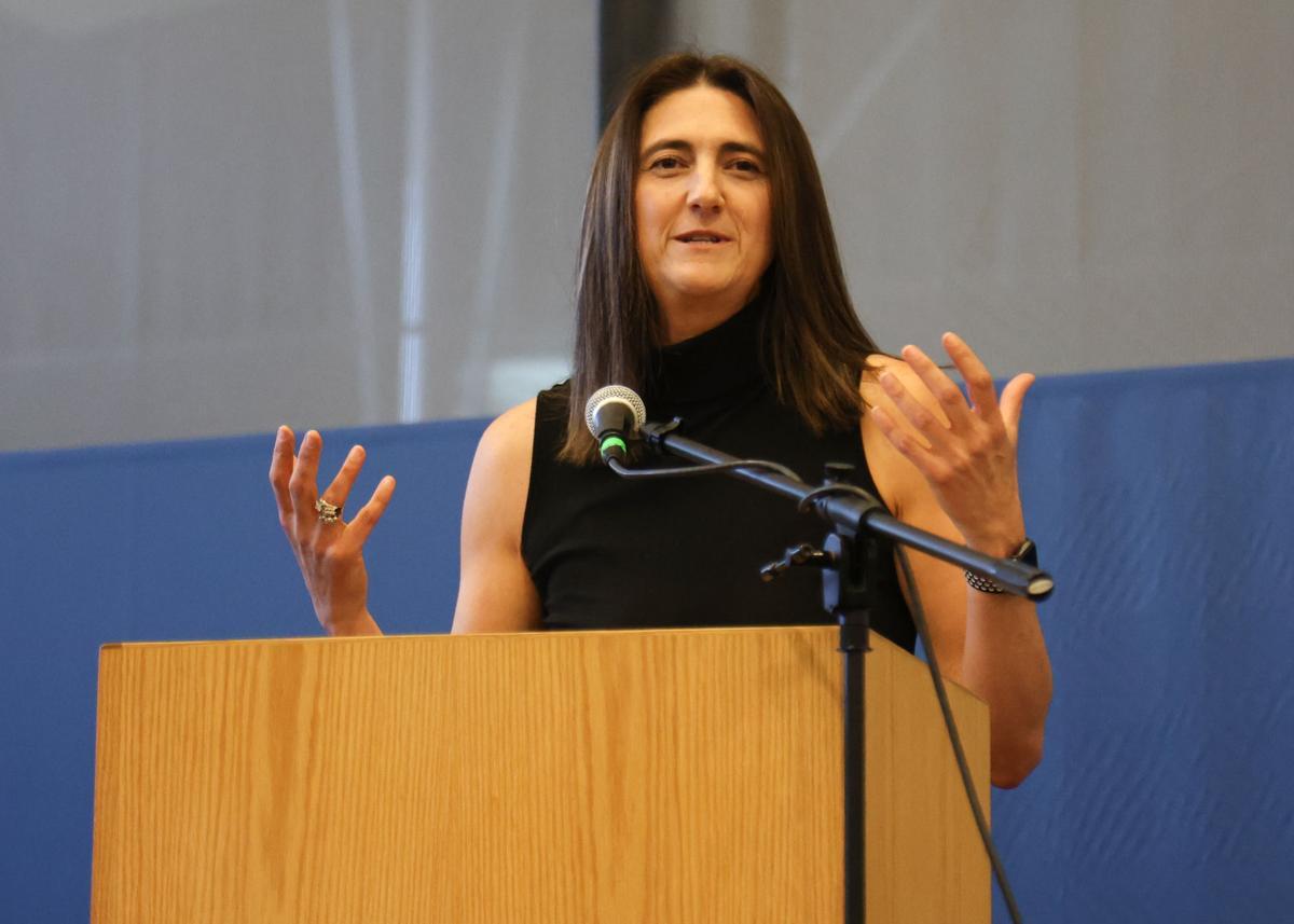 Pauline Thiros Sports Stars