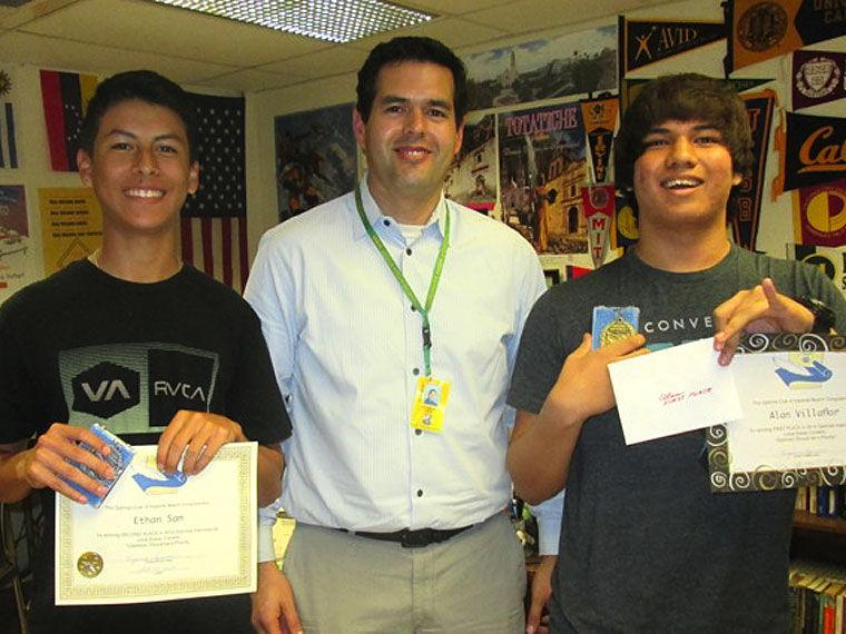 avid essay contest Applications must advance through local, district and state competitions to reach   the profile in courage essay contest invites united states high school.
