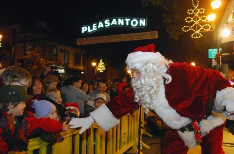 Pleasanton Christmas Parade 2020 Pleasanton Holiday Parade     independentnews.com