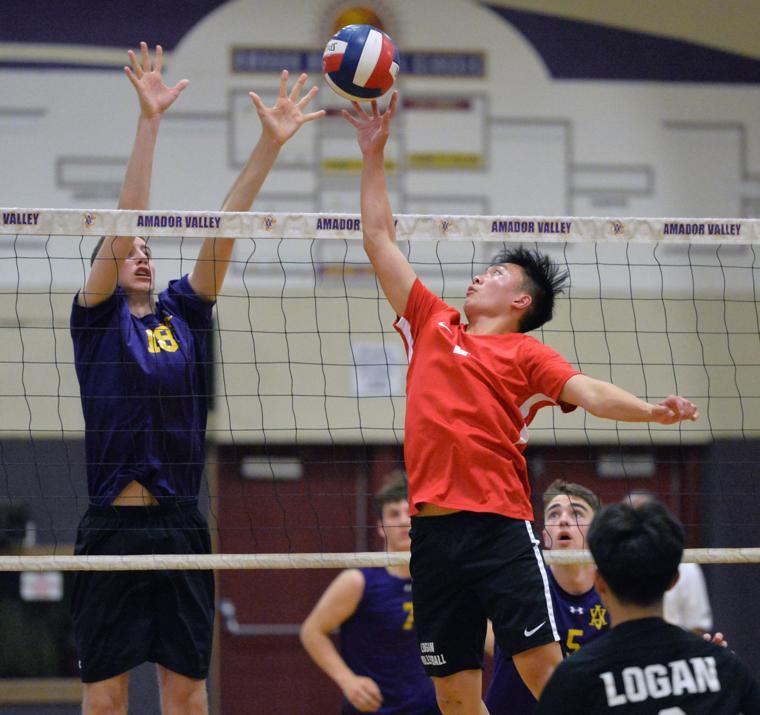 Amador vs Logan 05-10-18 095