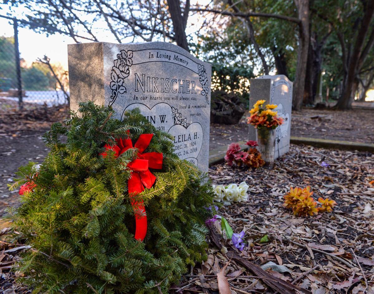 Dub Wreaths  12-20-20 114