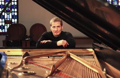 Concert Pianist Daniel Glover