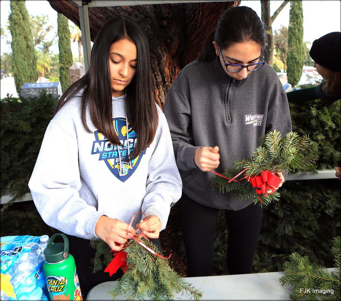 Wreaths Across Pleasanton 5.jpg