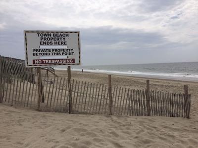 190627ind Beach1