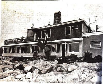 190822ind CoastGuardHouseFire