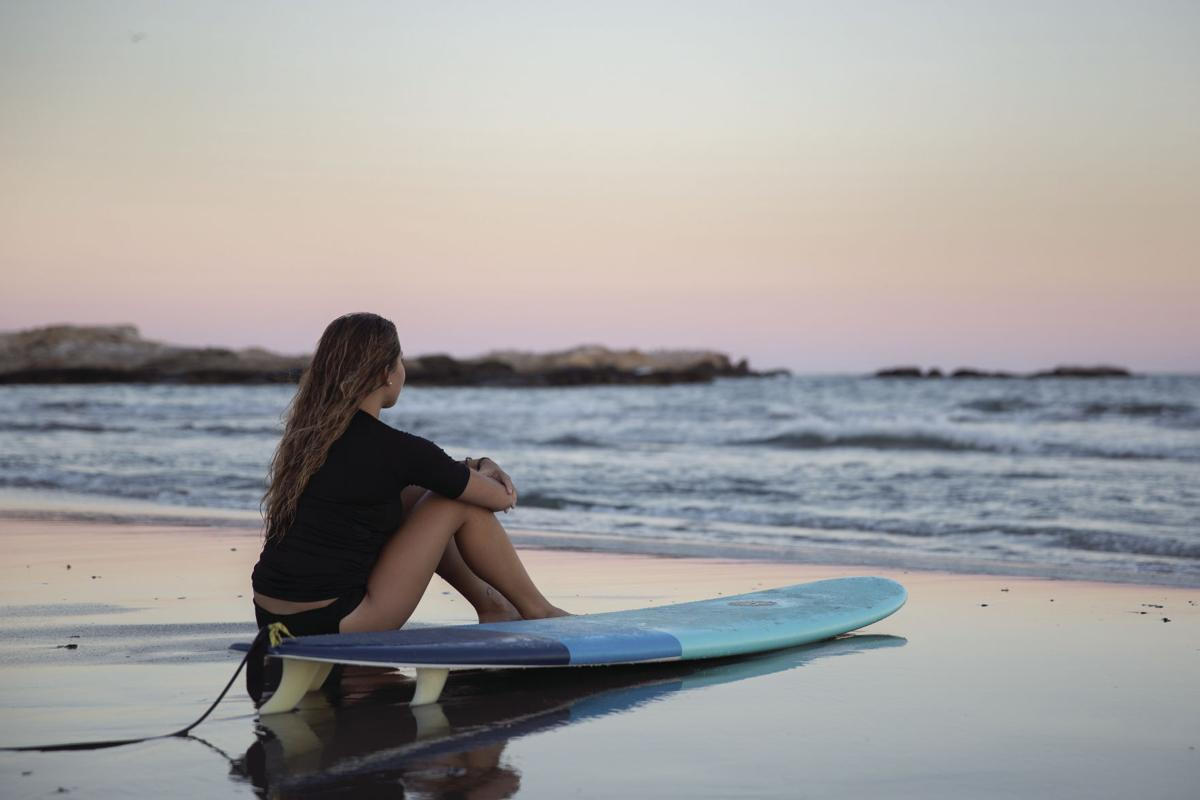 'Sunset Surfer'