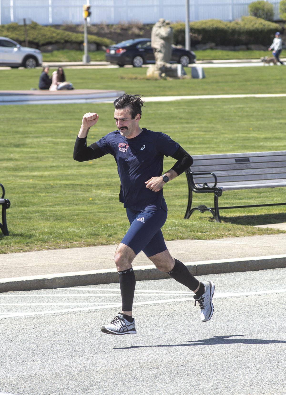 200430ind runner01.jpg