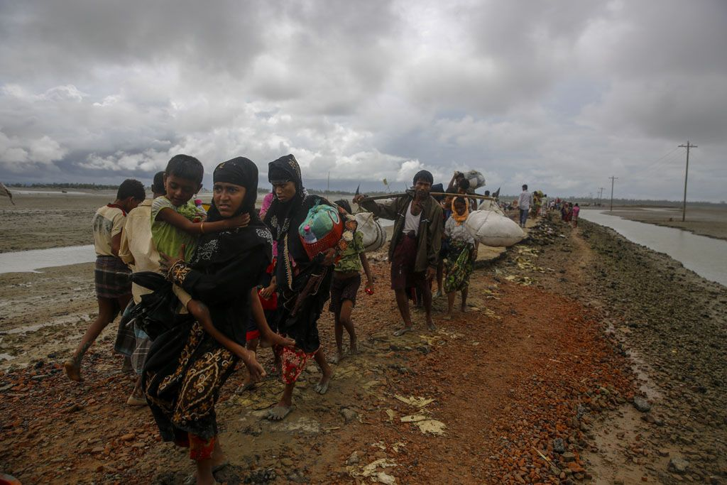 Myanmar mob attacks aid shipment bound for Rohingya area