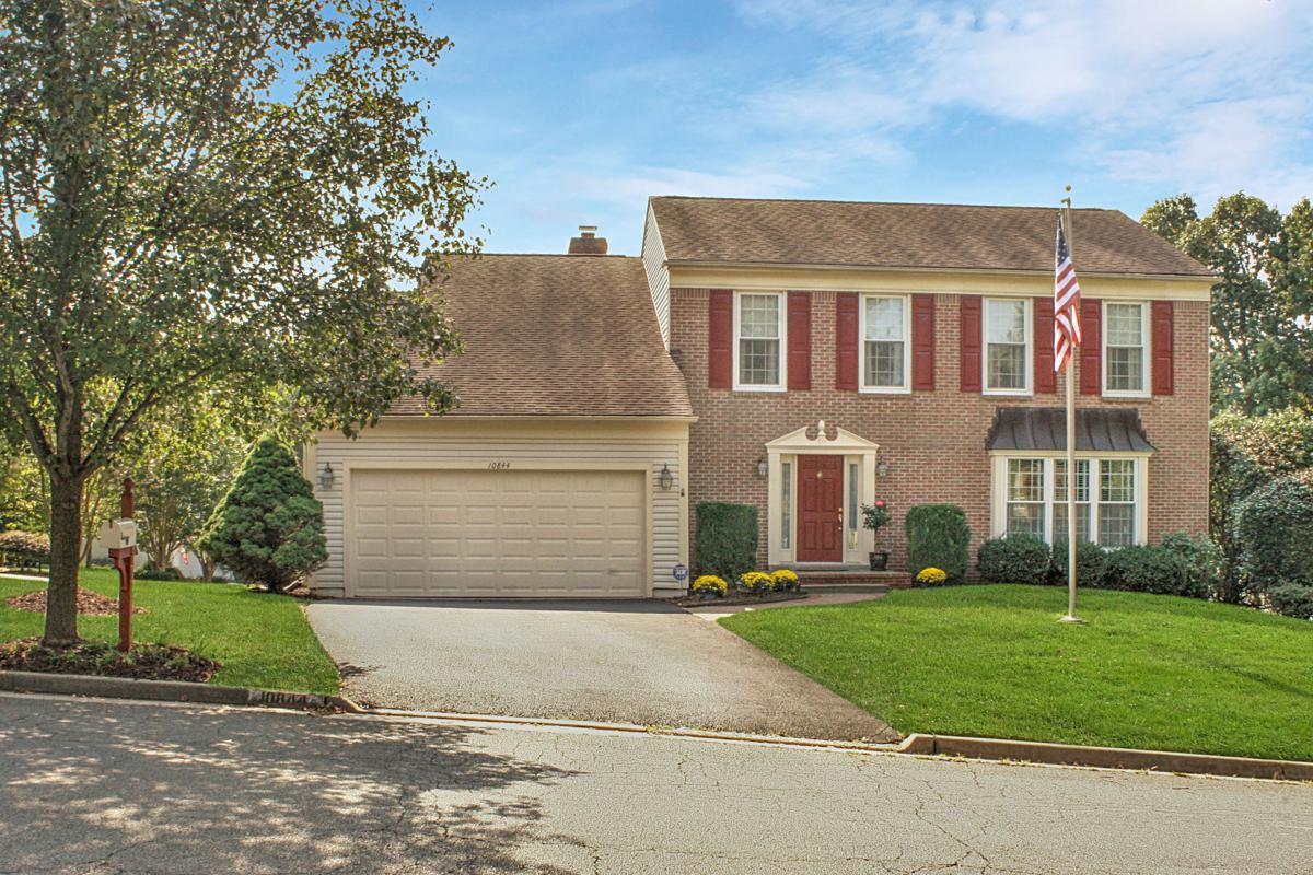 10844 Monticello Drive, Great Falls, VA 22066