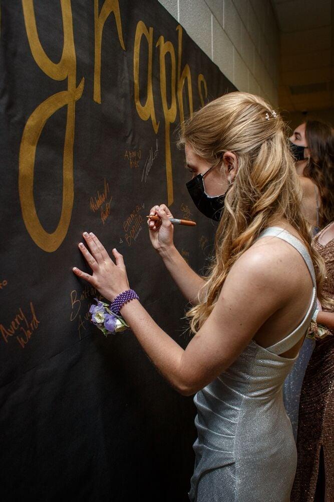 prom wall
