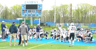 W-L football huddle