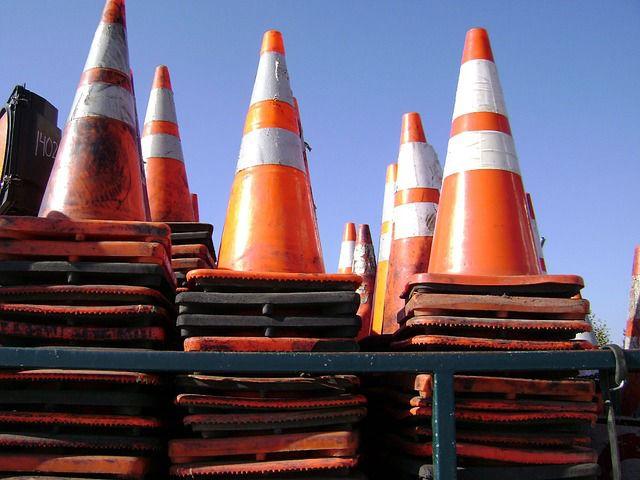 road cones traffic construction pixabay