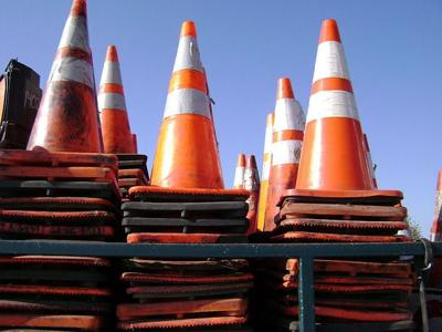 road cones traffic construction pixabay