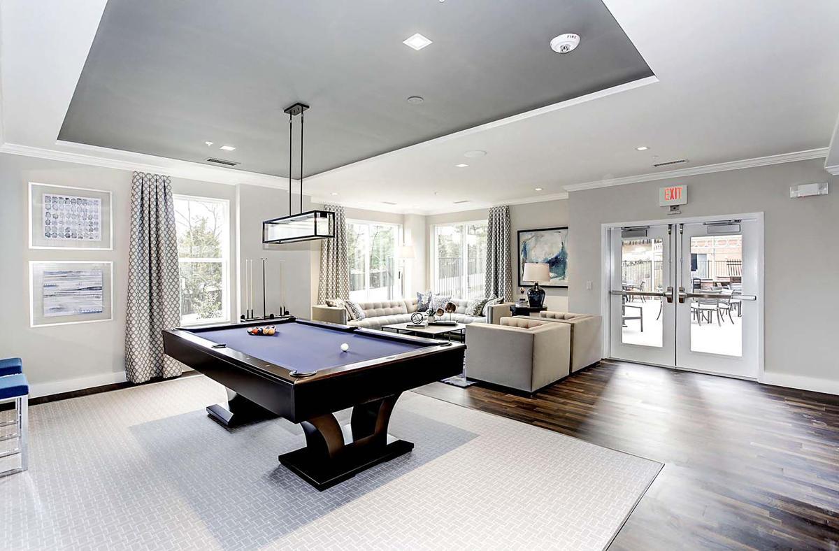 Poolside Lounge (1).jpg