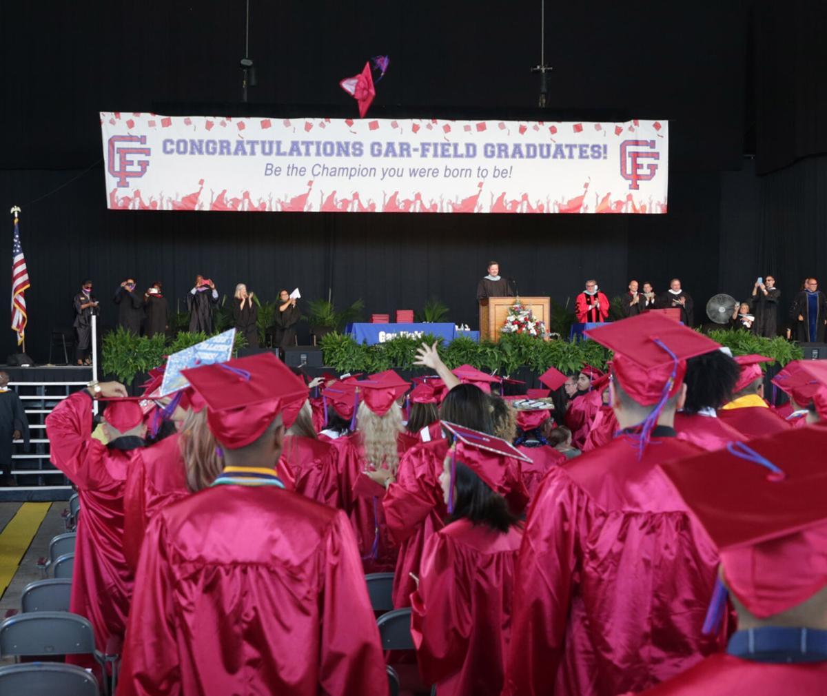 Gar-Field Graduation 85.jpg