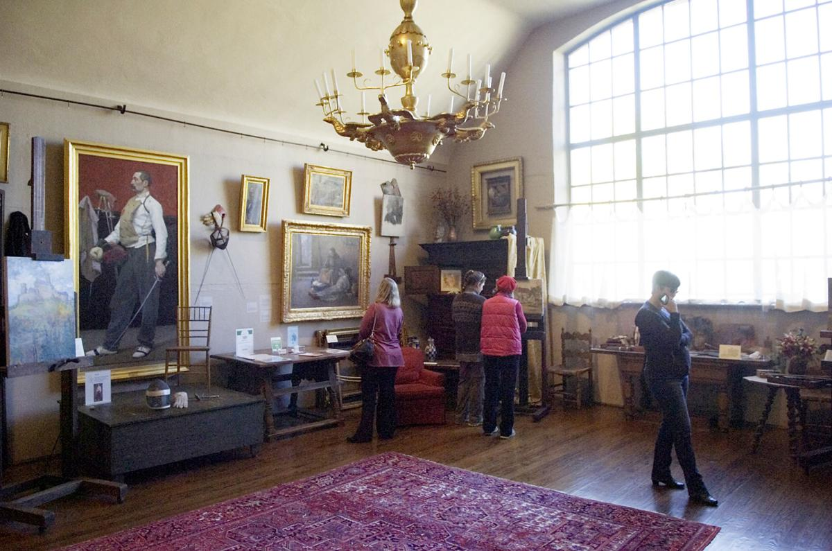 melchers belmont studio with light