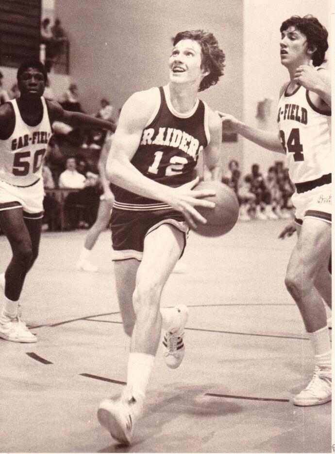 Tom Worstell basketball2.jpg
