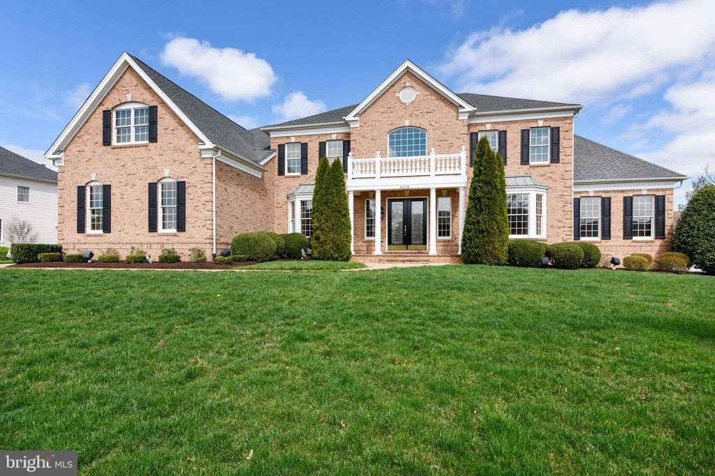 43154 Meadow Grove Dr, Ashburn, VA 20147