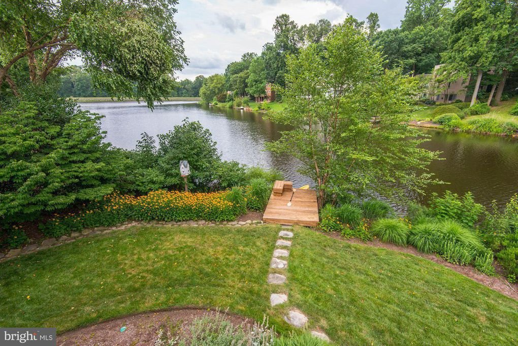 11577 Greenwich Point Rd, Reston, VA 20194