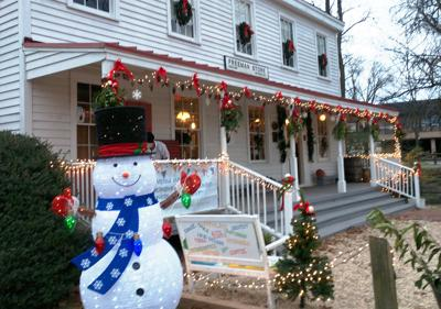 Freeman Store gets early makeover to celebrate the holiday season