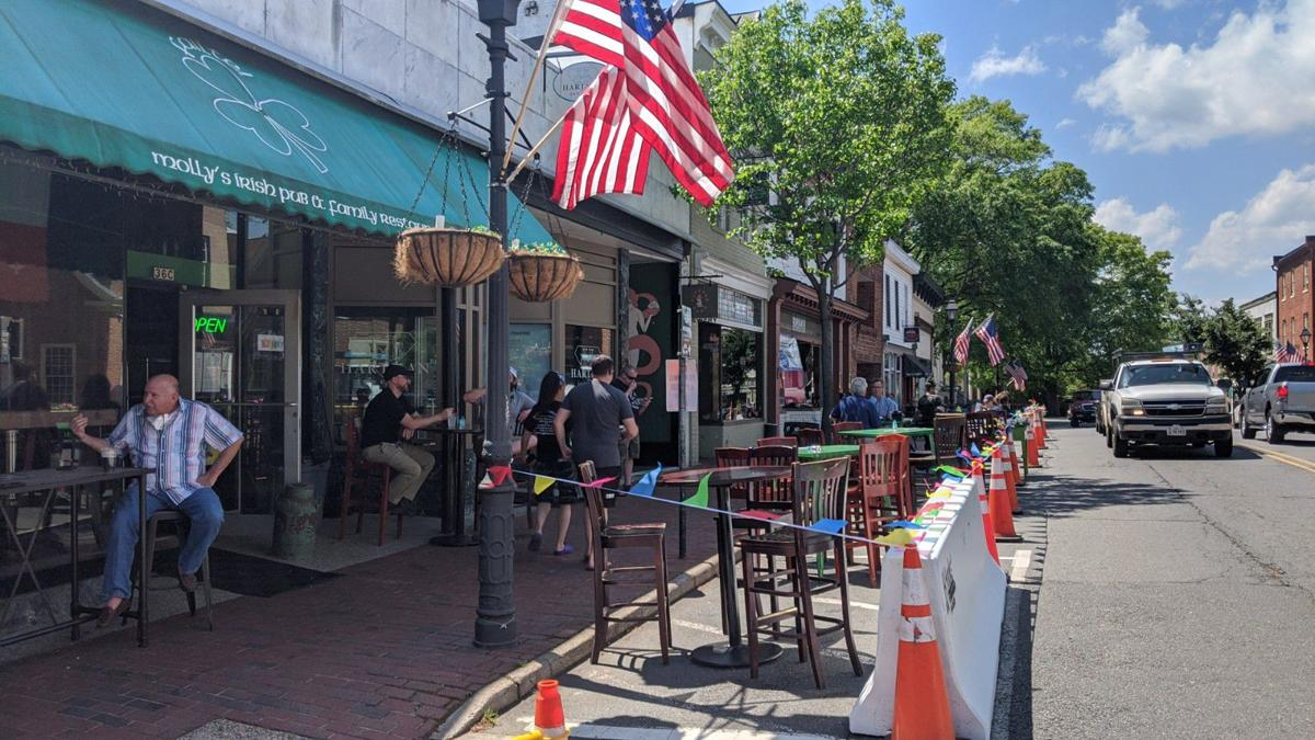 Manas Prepares Streets For Dining