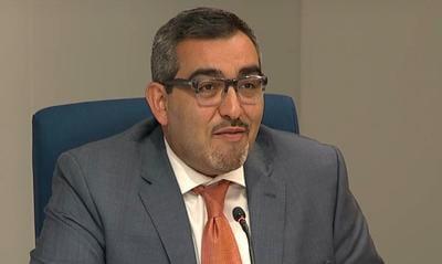 Arlington Superintendent Francisco Durán