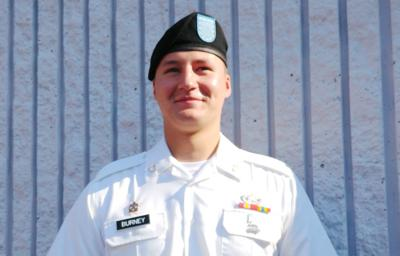 Oakton High alum graduations from ordnance-disposal training