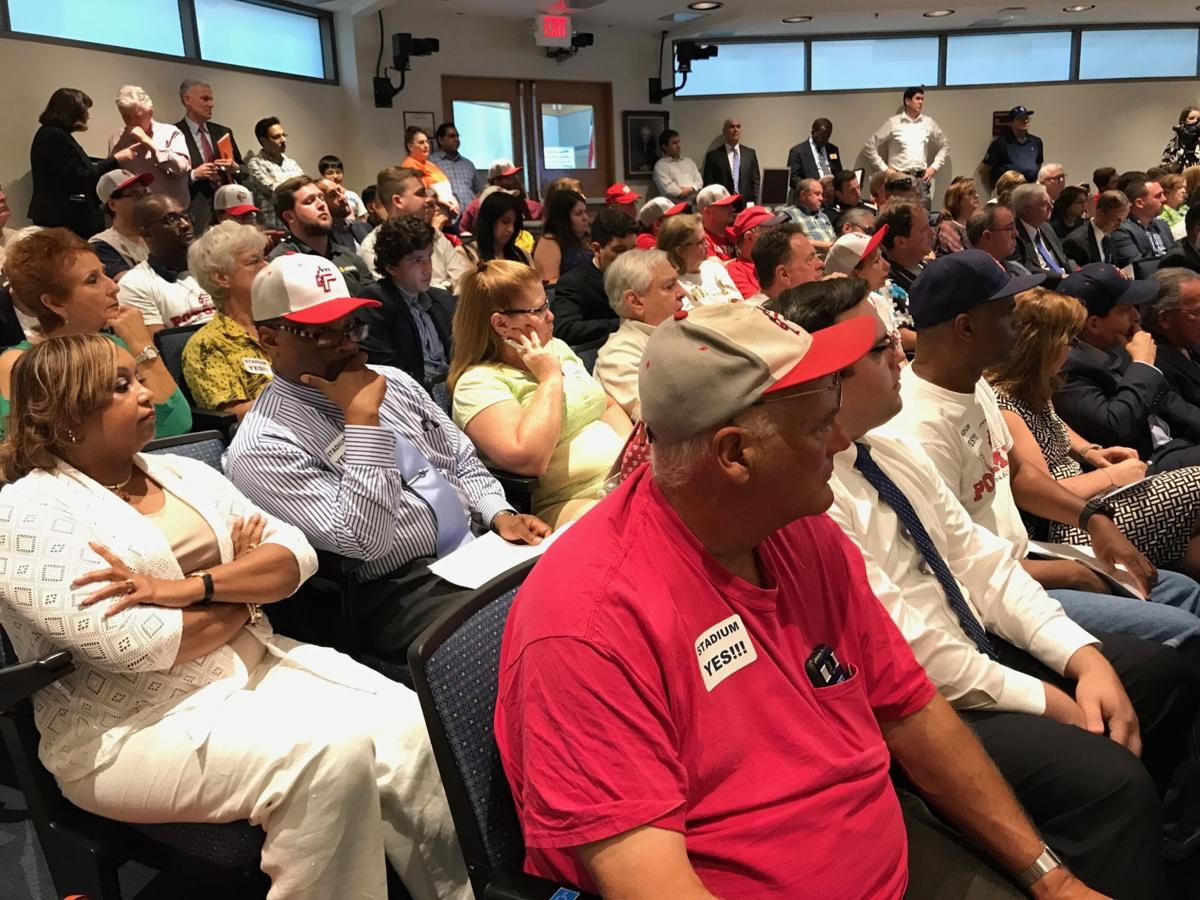 Crowd shot at referendum meeting not refinished