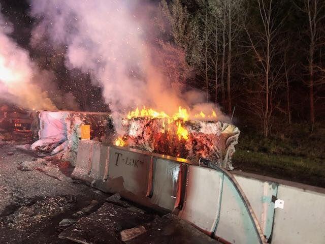 truckfire_95.jpg