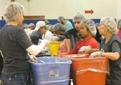 Volunteers Pack Meals 2