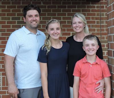 Kamphuis earns DAR Youth Citizenship Award