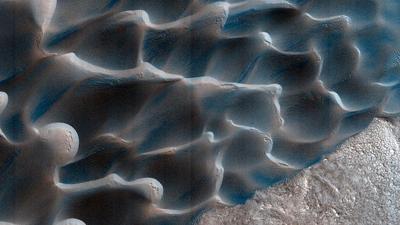 Alien sands