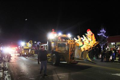 Oscoda Mi Christmas Parade 2020 Community celebrates 14th annual Northern Lights Parade in Oscoda
