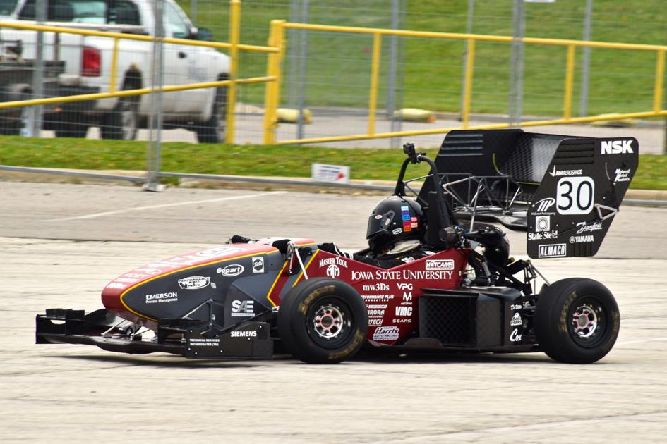Iowa State engineers build race car to bring to competition