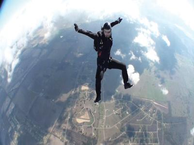 Students reach new heights in Skydiving Club | Sports