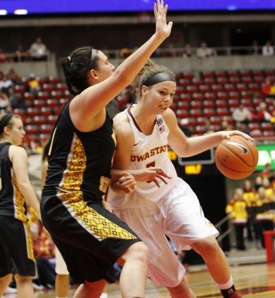 HOOPS: The quiet leader: Hallie Christofferson steps into ...