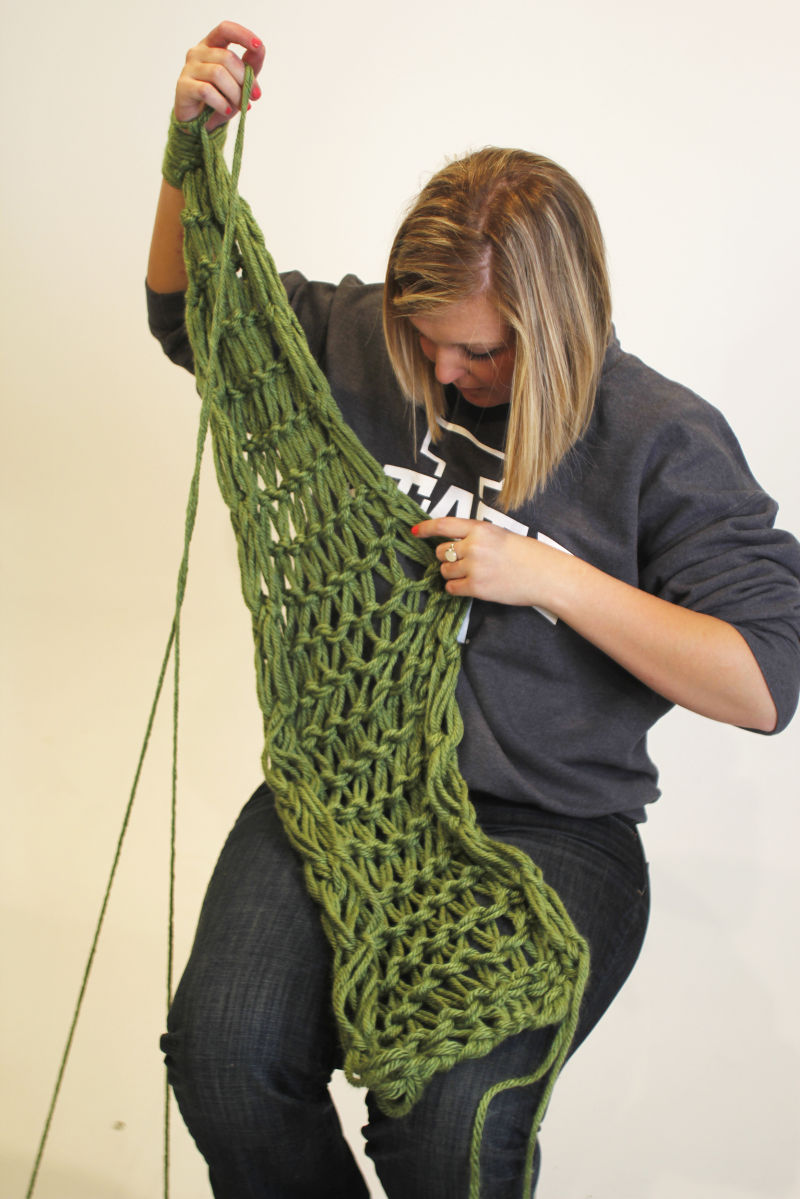 How to arm knit an infinity scarf style iowastatedaily arm knitting 8 9 bankloansurffo Choice Image