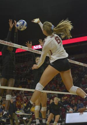 Iowa State looks dominant in sweep of Kansas State
