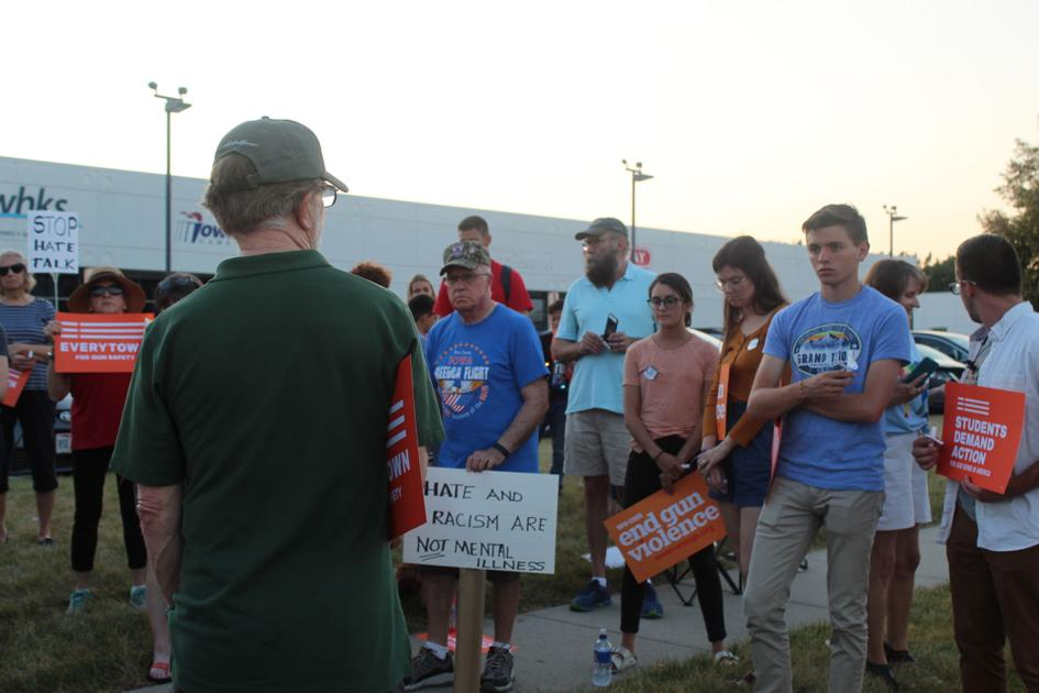 Vigil held for victims of mass shootings