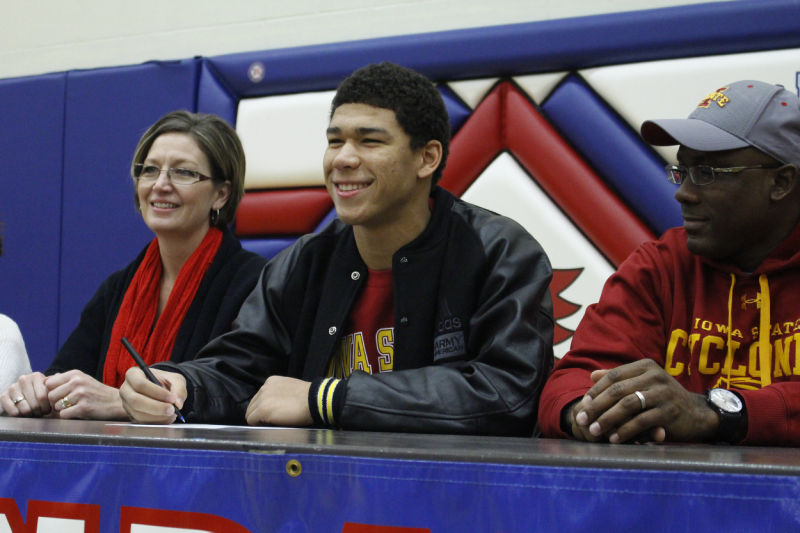 A Long Time Coming Allen Lazard Officially Signs With Iowa State Football Iowastatedaily Com