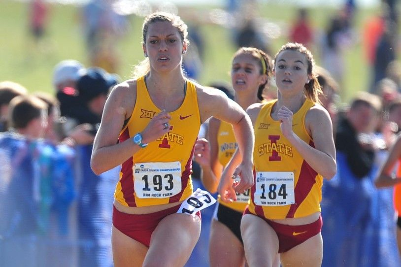 Andrea Toppin competes in NCAA Midwest Regional